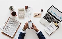 """Somos uma empresa inovadora no que diz respeito à escritório de contabilidade e consultoria em gestão empresarial e finanças.     Preocupamos com a informaçãocontábil útil à administração para que os administradores possam ser auxiliados à tomada de decisão.   Buscamos gerar informações estratégicas para o negócio, planejamento, avaliação e controles adequados da organização, por meio de indicadores de gestão (KPI).     Atuamos nas áreas da empresa, Contabilidade Fiscal, Departamento Pessoal, Contabilidade Gerencial e consultoria empresarial, buscando sempre a eficiência nos processos para que nossos clientes foquem no seu """"core business""""."""