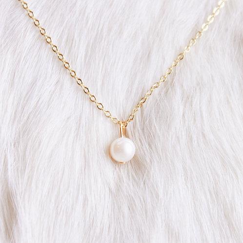 Selena Single Pearl Necklace