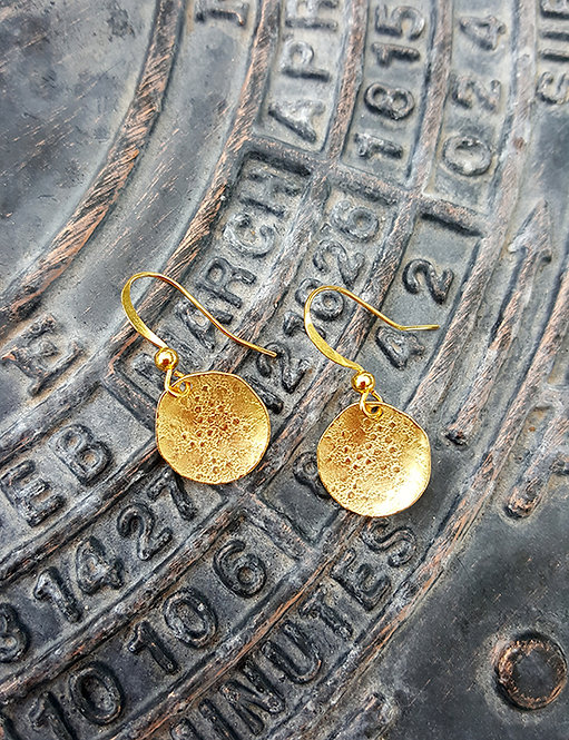 Small Dotted Disc Earrings: Gold