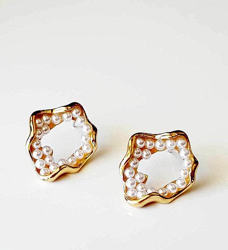 Helen Organic Shape Pearl Earrings