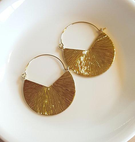 Textured  Fan-shaped Hoop Earrings