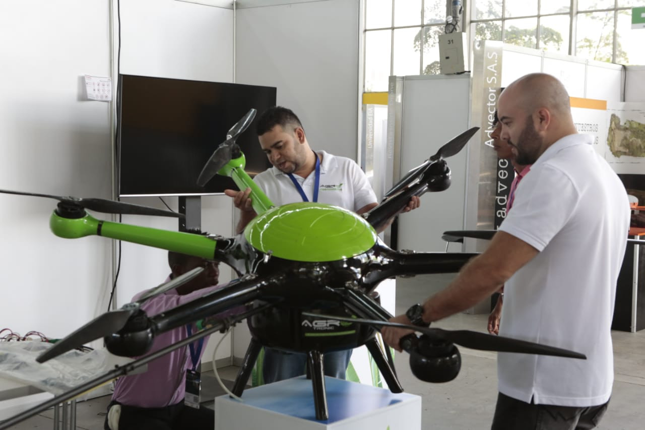 CODE_Colombia_Dron_Expo14.jpg