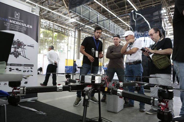 CODE_Colombia_Dron_Expo10.jpg