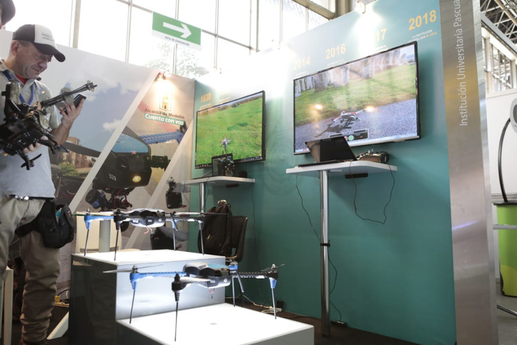 CODE_Colombia_Dron_Expo3.jpg