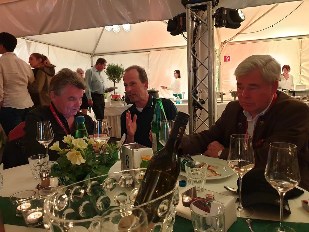Die Brüder Aengevelt am Tisch von Dr Rudolf King Südsteiermark Classic 2019