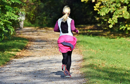 jogger-3836338_1920.jpg