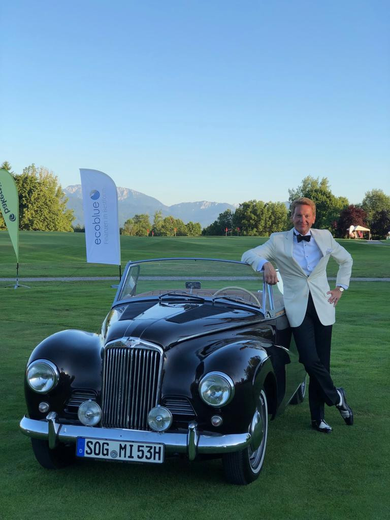 Dr. Rudolf King mit Sunbeam Alpine MArk I beim charity Turnier am Beuerberg