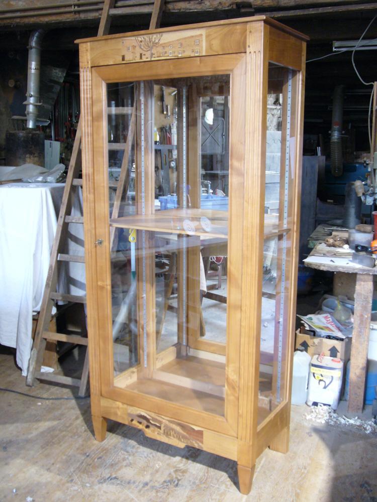 vitrine personnalisée en merisier