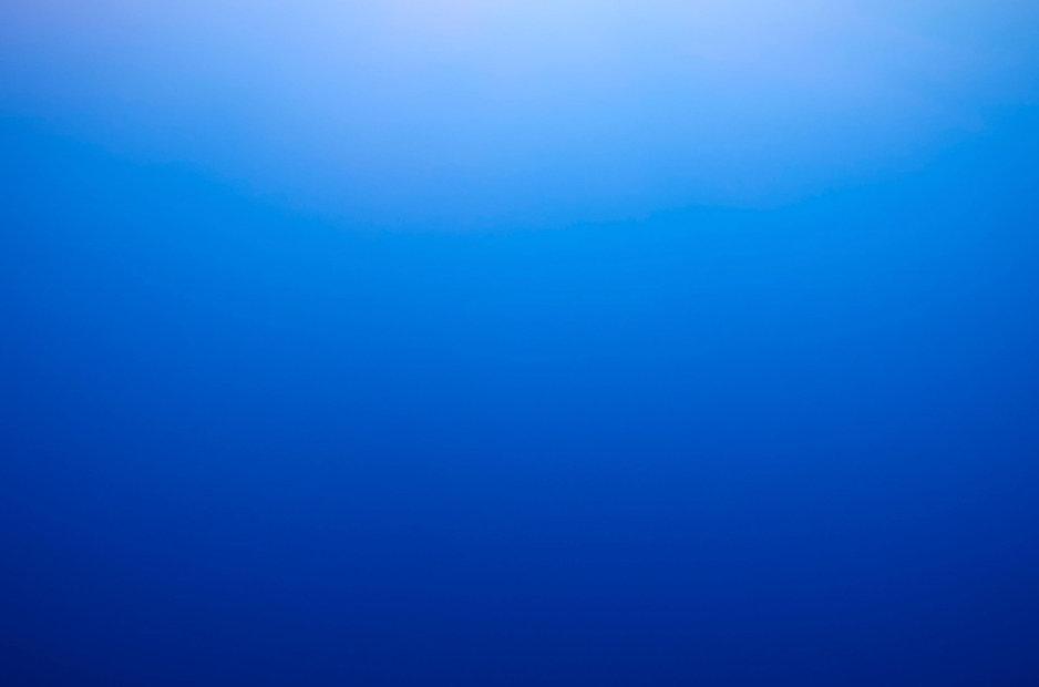 blue%20sky%20gradient%20background%204_edited.jpg