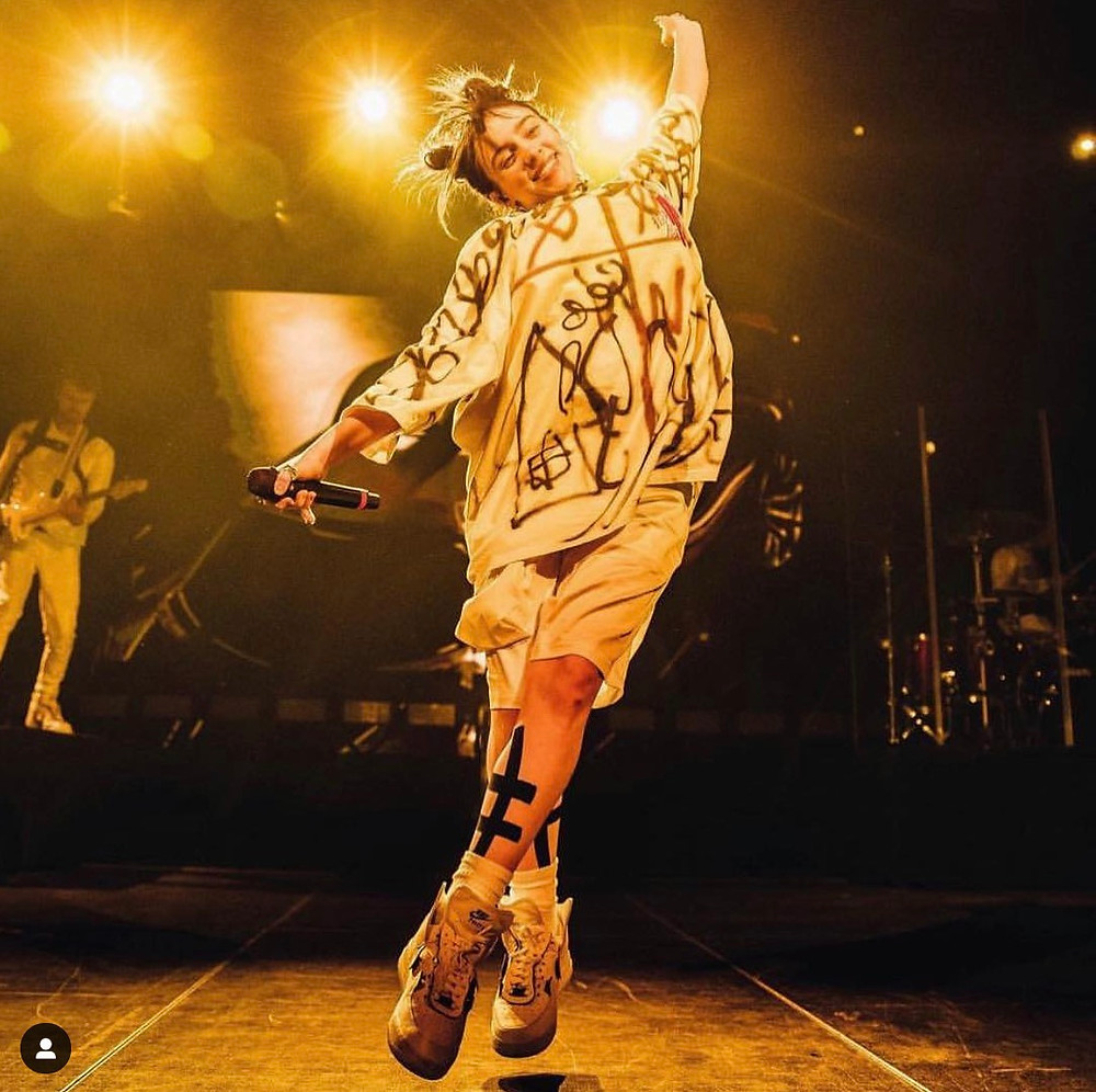billie eilish singer songwriter influencer ig instagram fashion