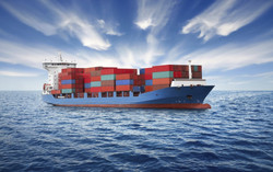 korabl-konteynerovoz-more