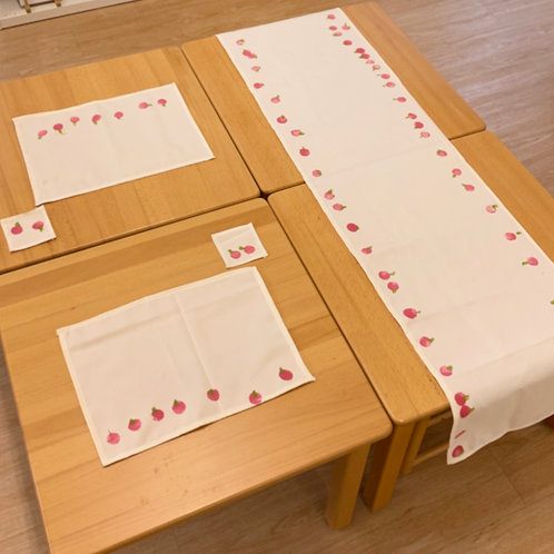 Periwinkle Class's Table Mat Set