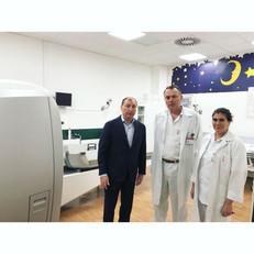 Заур Аскендеров посетил центр Гамма-нож