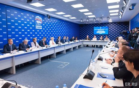 Заур Аскендеров: требуется урегулировать правовые отношения производителей и торговых сетей
