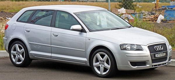 2005_Audi_A3_(8PA)_1.6_Attraction_5-door