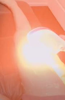 安城市・刈谷市の脱毛サロン:足の脱毛写真:フラッシュ照射中