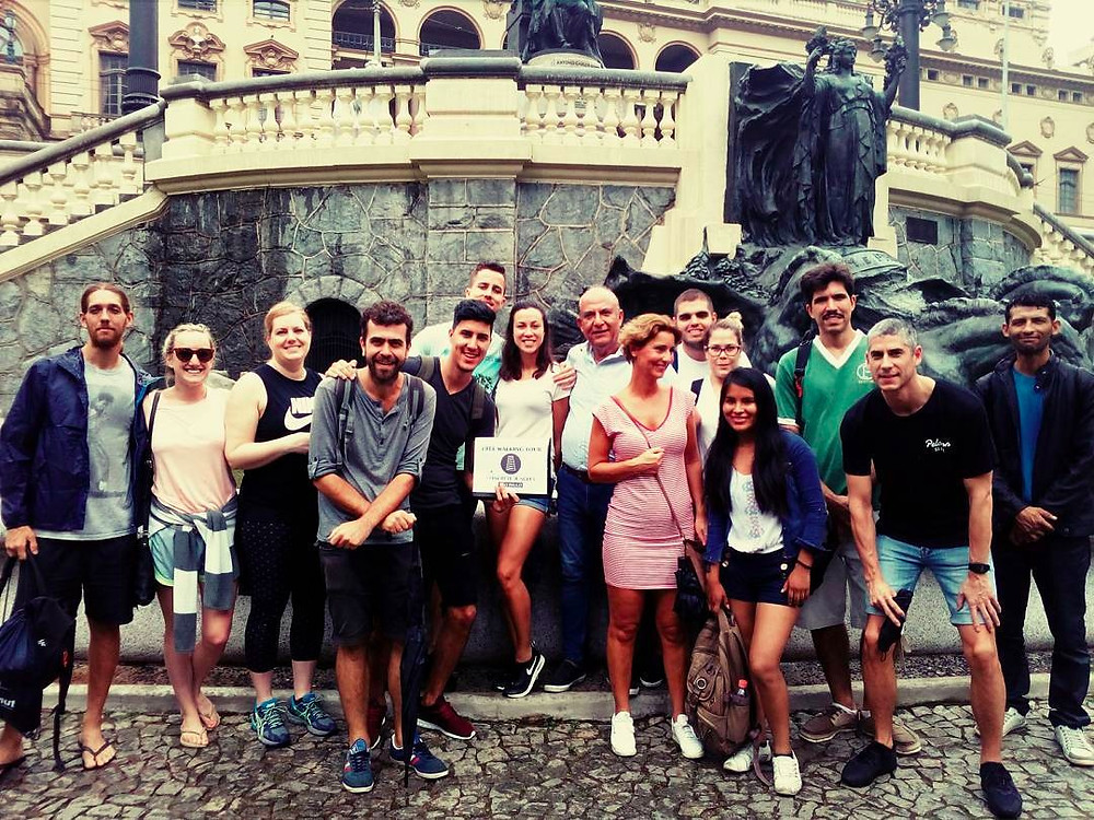 group of people after a tour in Sao Paulo
