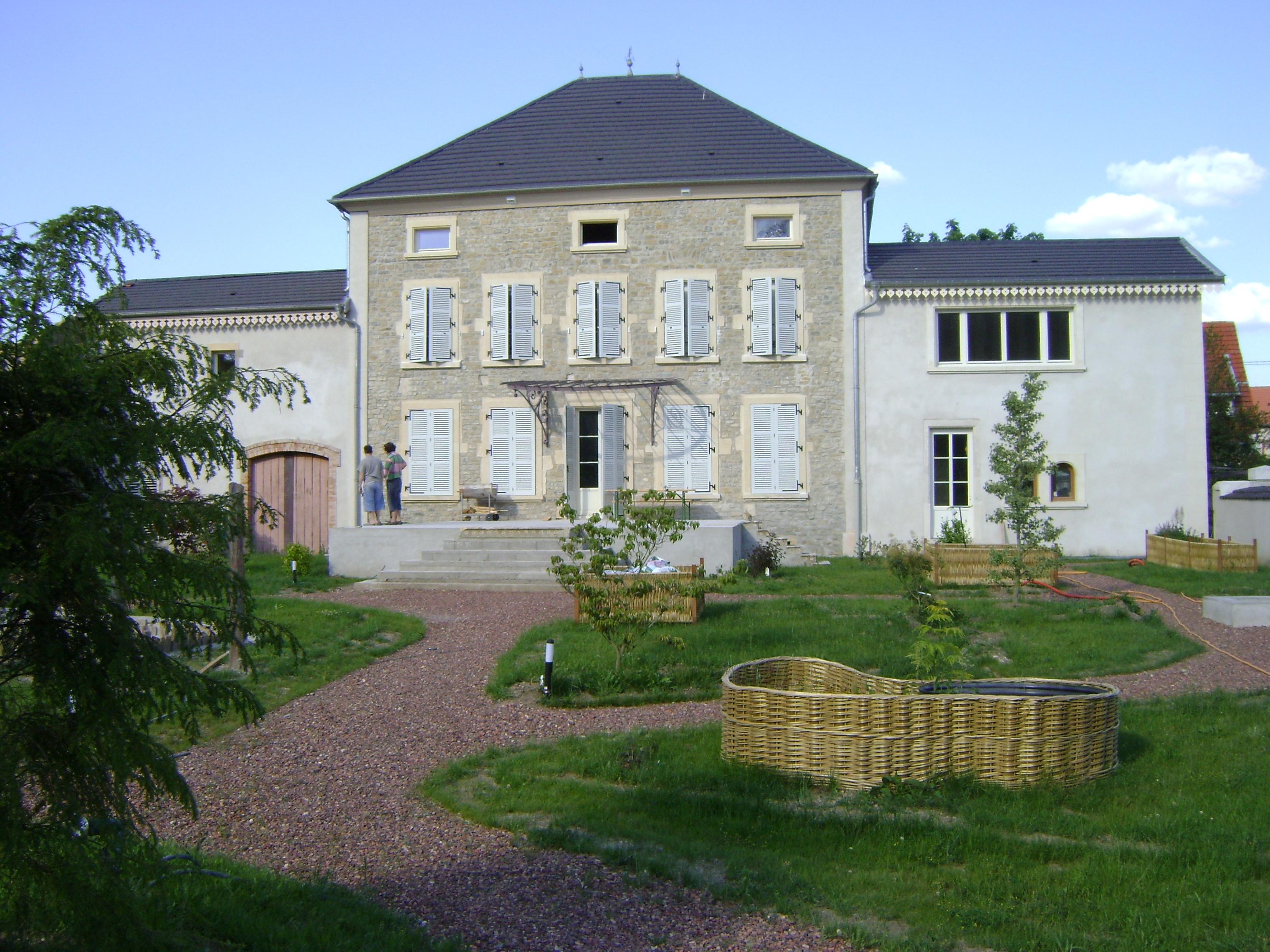 chateau vincent vu du jardin.JPG