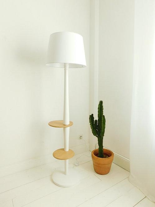 Lampadaire vintage revisité en blanc et bois