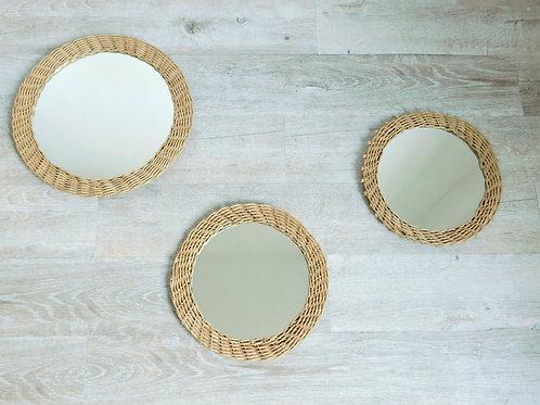 Trio de miroirs en rotin vintage