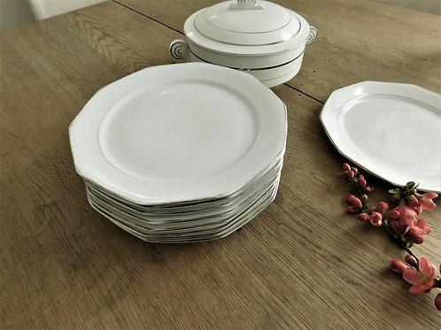 Lot d'assiettes Art Deco avec soupière