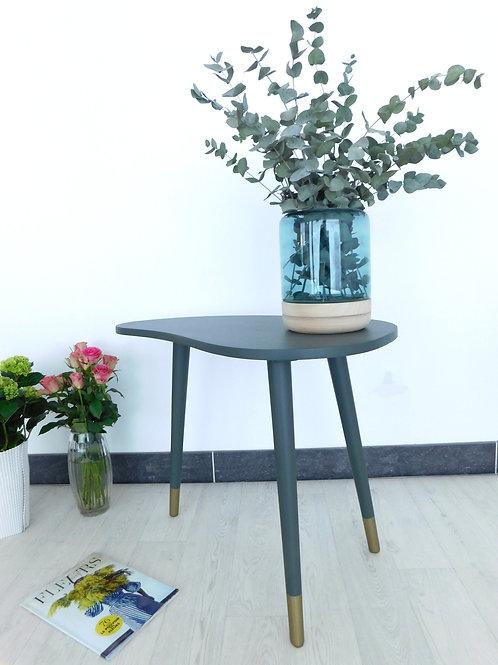 Grande table tripode haricot kaki