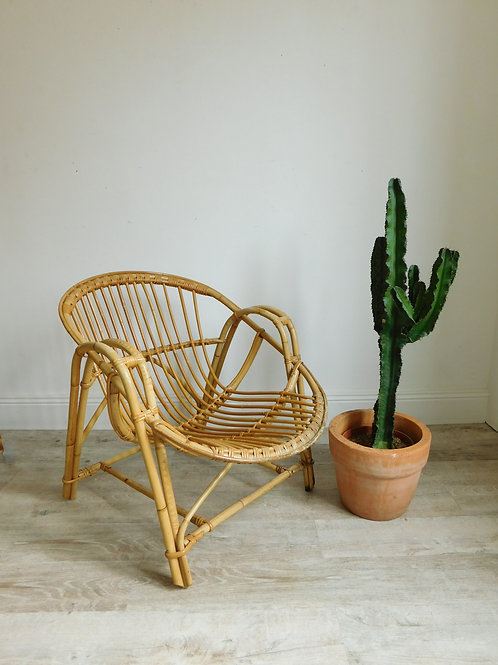 Fauteuil en rotin forme coquille adulte
