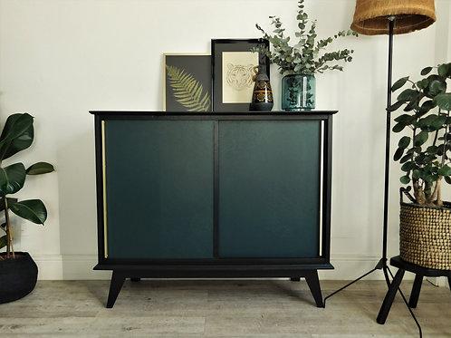 Buffet vintage revisité noir et vert profond