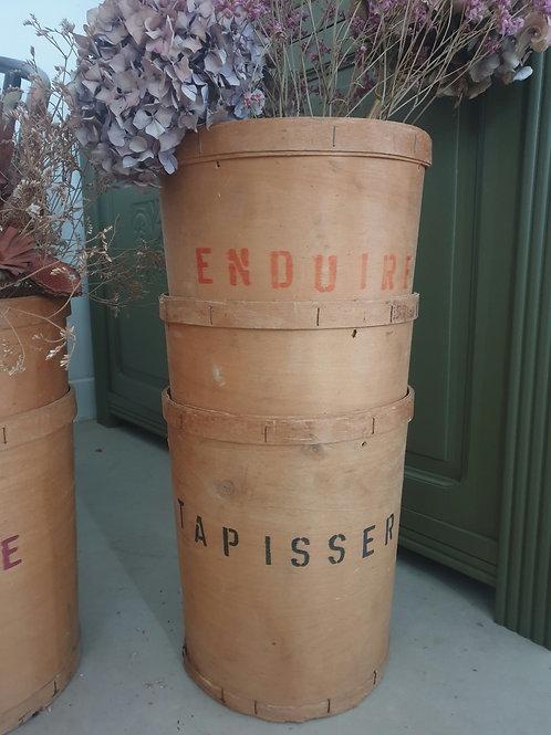 """Baril en bois d'artisan """"Enduire"""""""