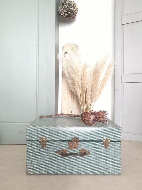 Ancienne valise en carton