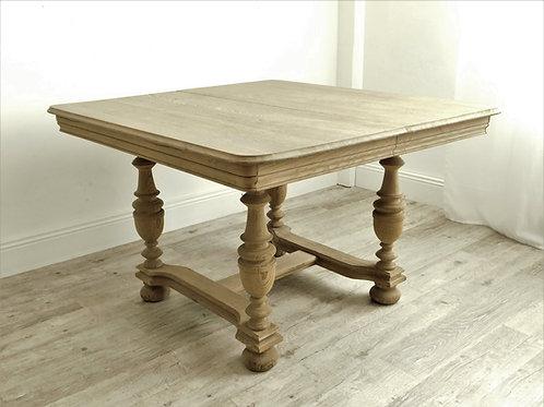 Table Henri II en chêne massif brut