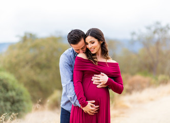 LIFESTYLE AND OUTDOOR MATERNITY SHOOT // GUADALUPE OAK GROVE PARK