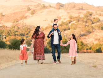 GOLDEN HOUR FAMILY SESSION | Coyote Creek Trail, Morgan Hill