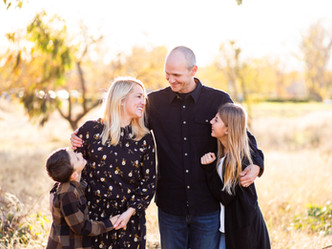 A BREAK FROM THE RAIN // FAMILY MINI SESSION // BAYLANDS PARK