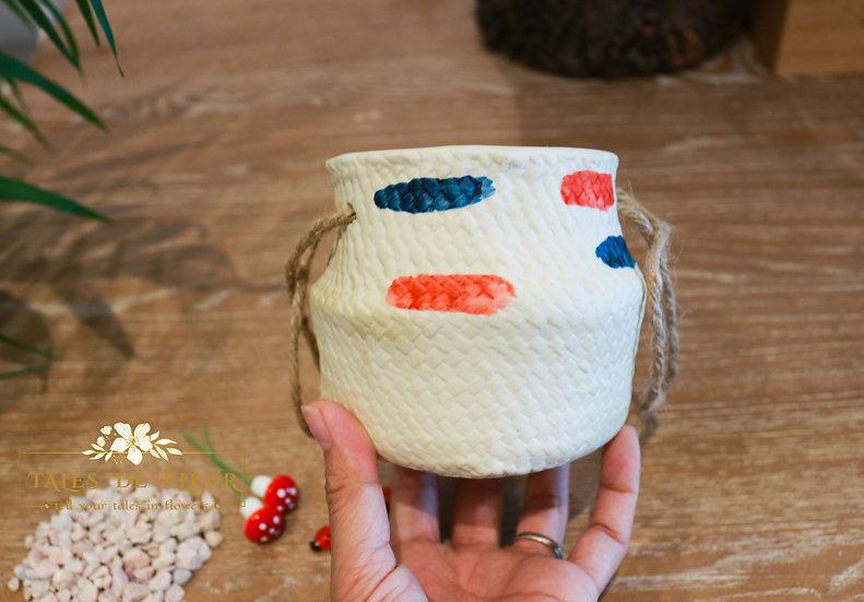 Ceramic Pot with basket look