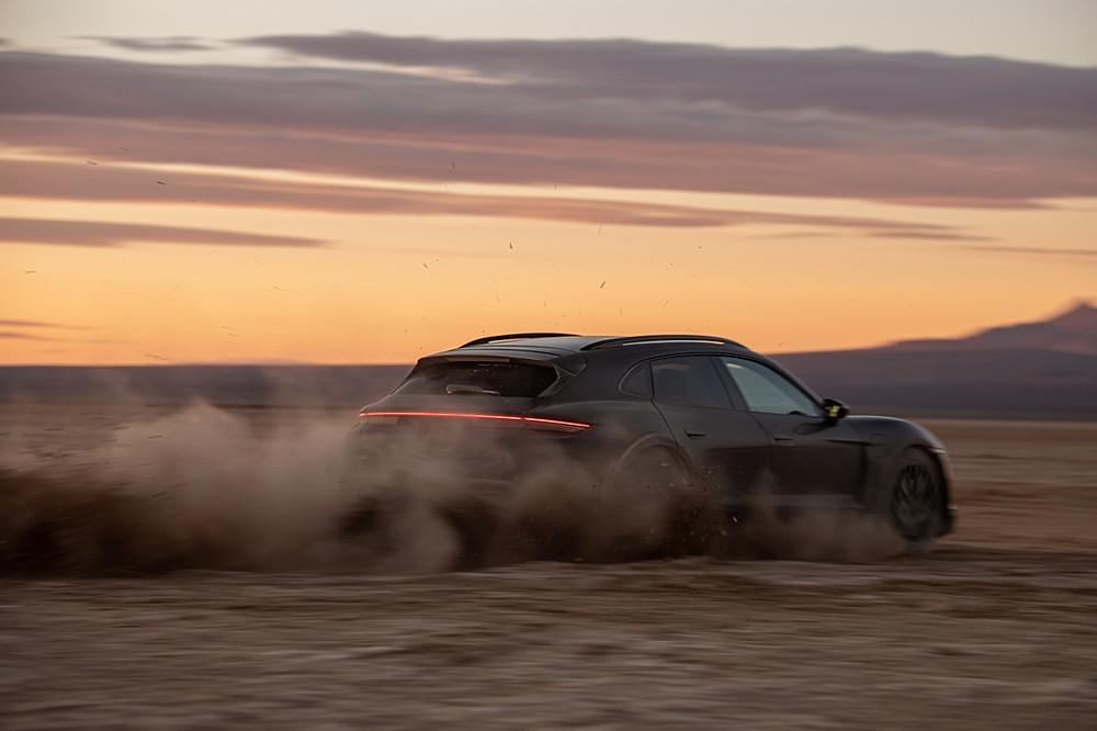 Versátil programa de teste para o Porsche Taycan Cross Turismo chega ao fim