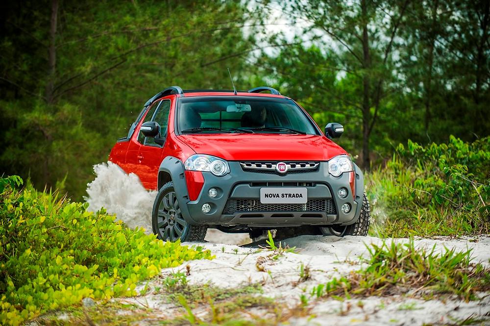 O polivalente Fiat Strada chega com novas versões na linha 2017