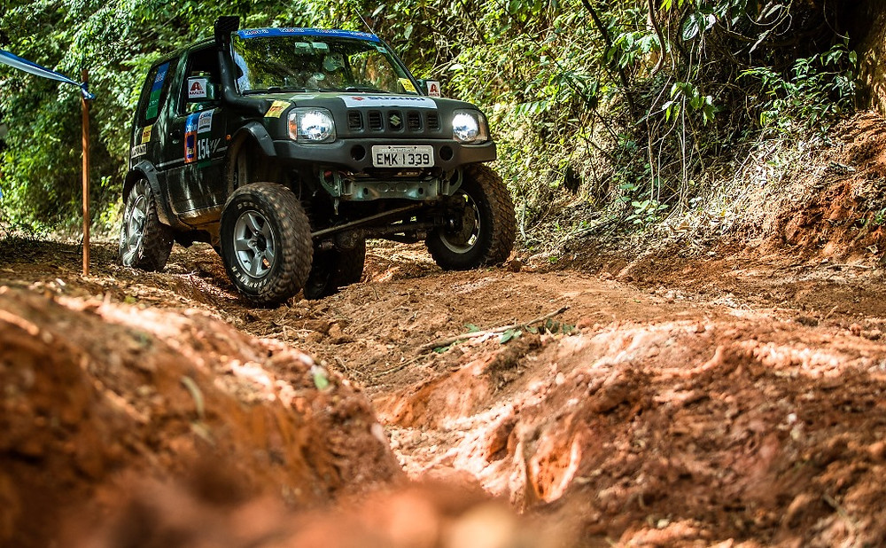 Em meio a serras e trilhas do sul de Minas, Suzuki realizou ultimo rali da temporada