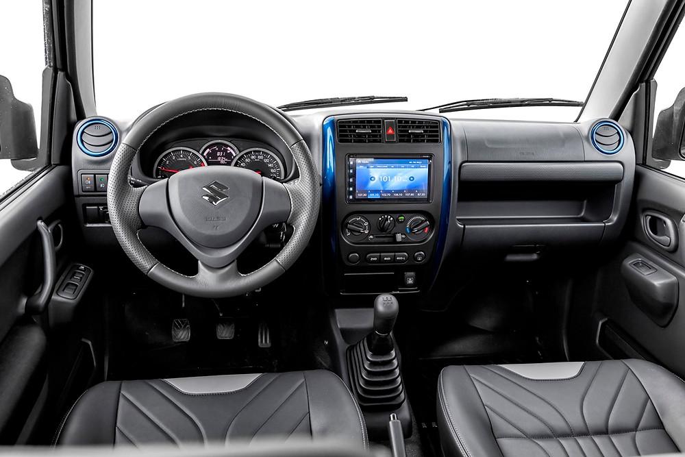 Atualização do Suzuki Jimny chega em quatro versões e a partir de R$ 71.490