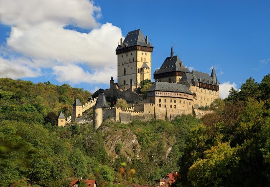 Karlstejn, o Castelo construído por Carlos IV.