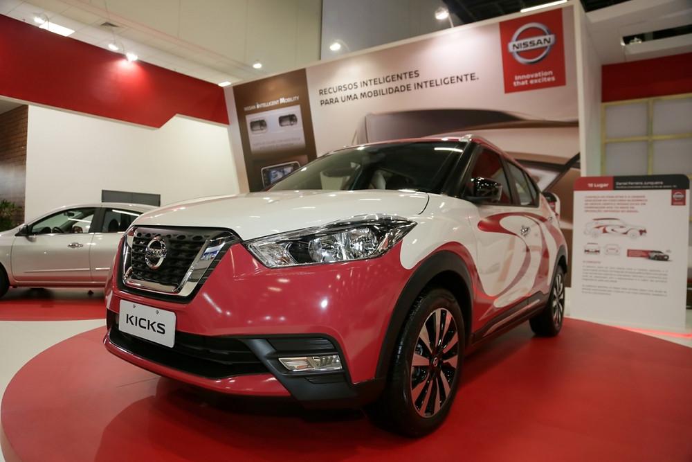 Designer da Nissan encontra criador do Kicks em homenagem aos 110 anos da imigração japonesa