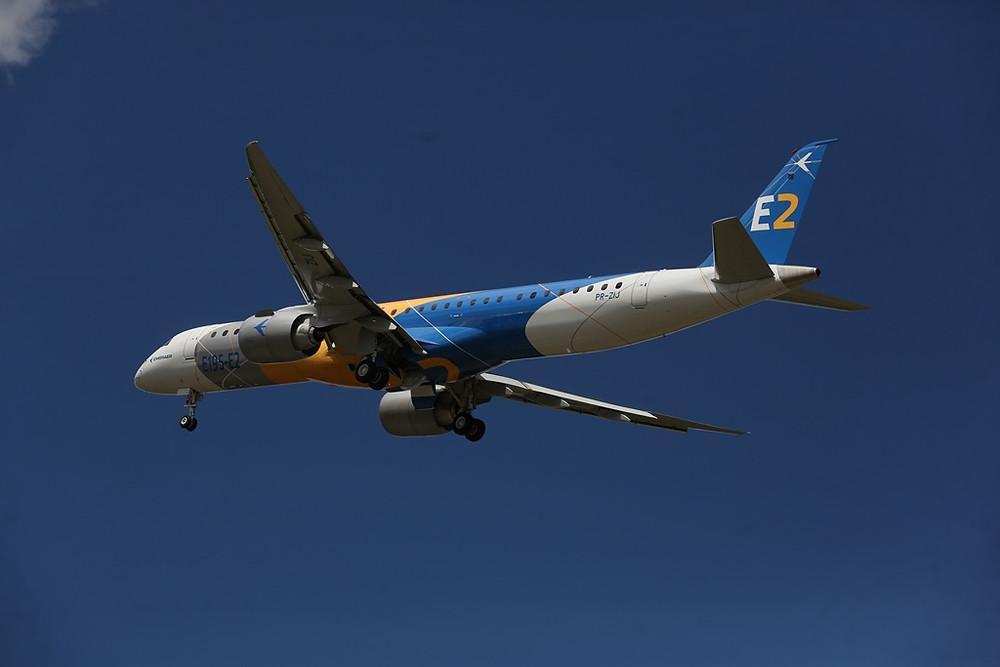 Embraer E195-E2, faz voo inaugural antes do previsto.