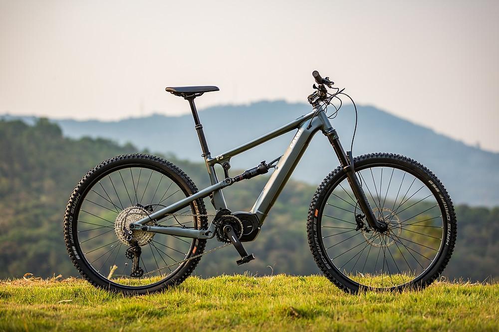 Caloi lança dois modelos de mountain bike elétricas para desbravar qualquer terreno