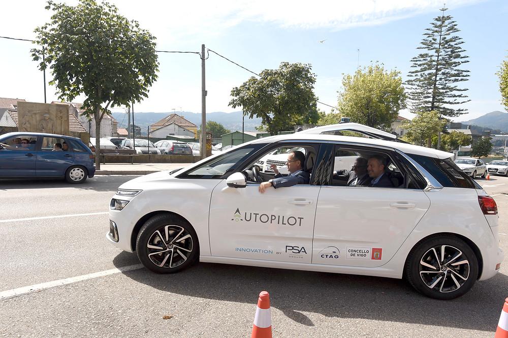 Grupo PSA faz testes na cidade de Vigo com comunicação entre veículos e infraestruturas