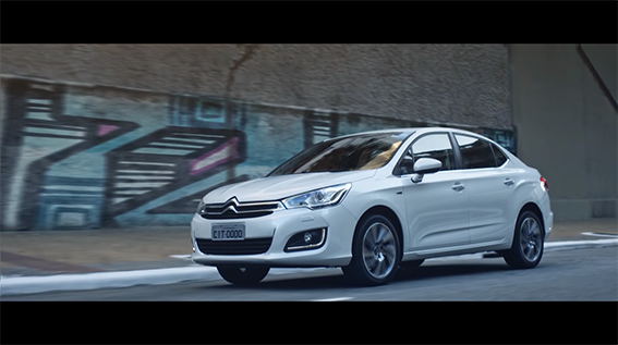 Nova campanha institucional da Citroën realça relação das pessoas com o carro.