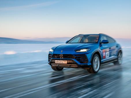 Vídeo: Lamborghini Urus chega a 298 km/h em lago gelado da Rússia
