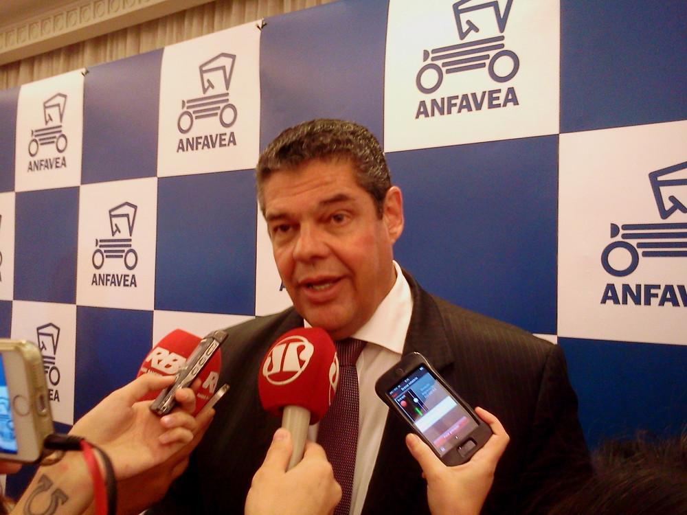 Anfavea revela balanço do ano e projeta crescimento para 2017