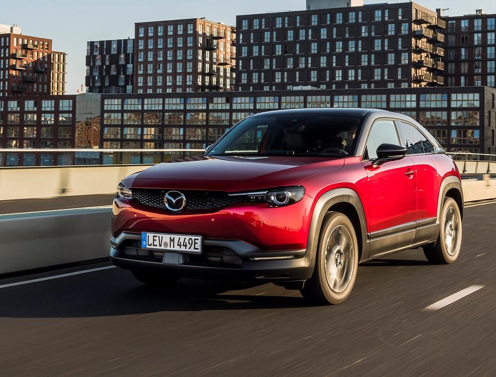 Expressas: Mazda revela o MX-30 elétrico para os EUA