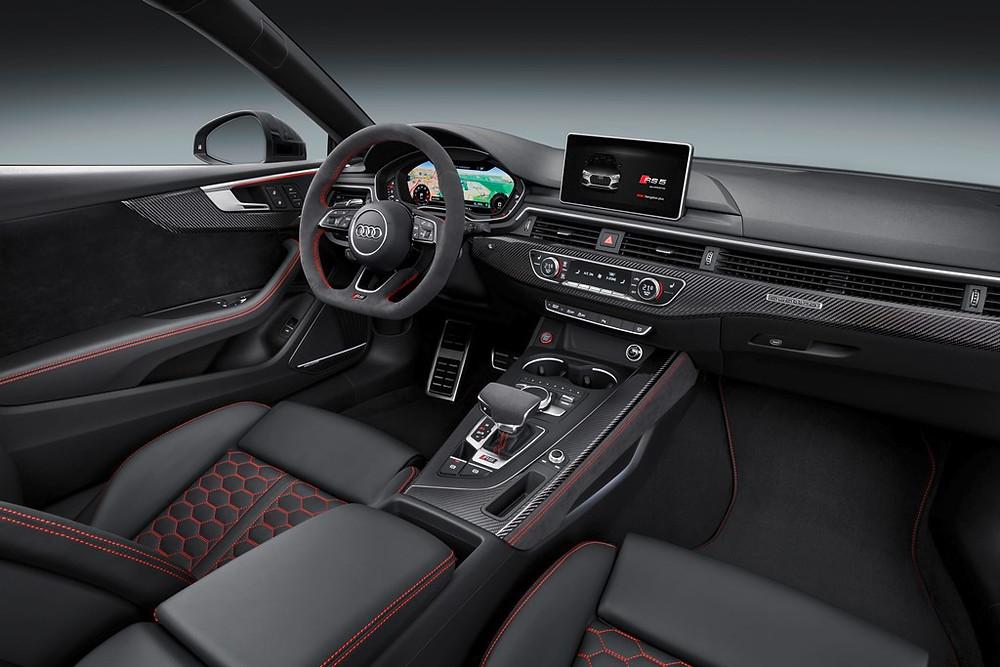 Segunda geração do RS 5 Coupé, chega com motor V6 2.9 TFSI biturbo de 450 cv