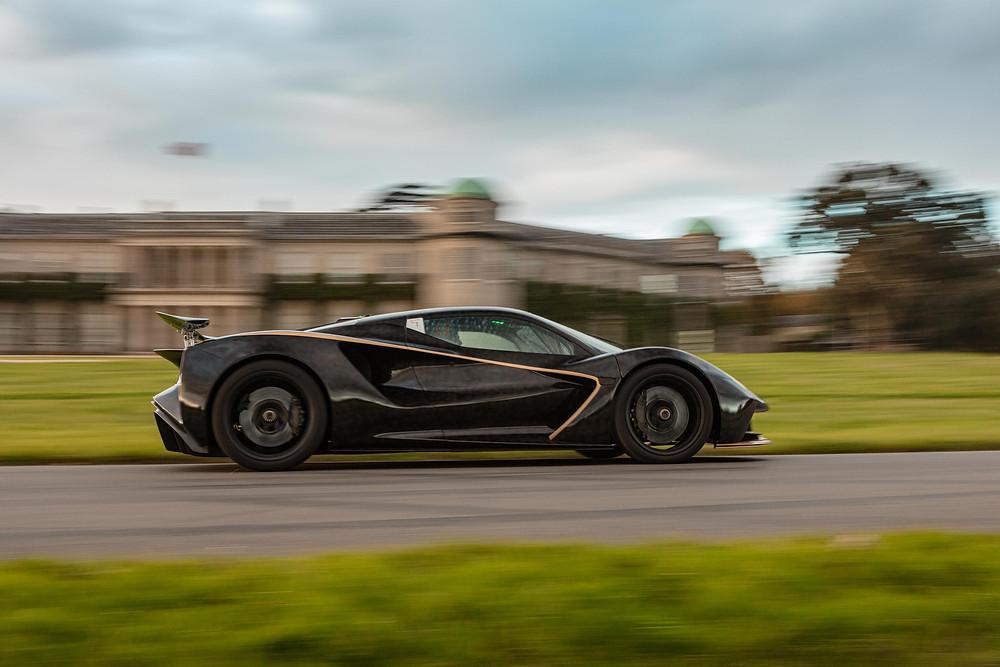 Lotus faz estreia dinâmica do Evija no Goodwood SpeedWeek